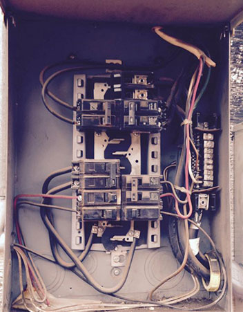 jcpelectric-Before_Main-Electrical-Box-Replaced